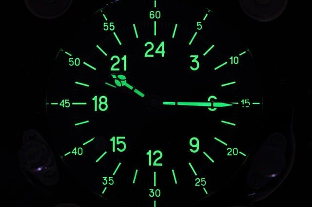 24 Hour Clock via https://pixabay.com/photos/soviet-military-24-hour-clock-1354211/