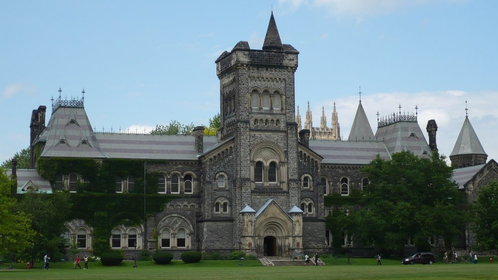 U of T by Nat / CC BY-SA (https://creativecommons.org/licenses/by-sa/3.0)