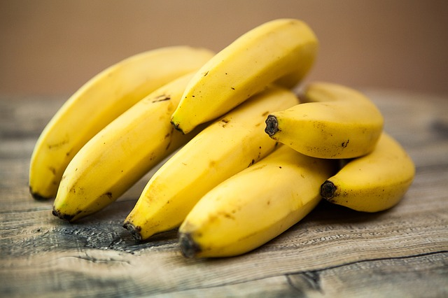 Bananas via https://pixabay.com/en/bananas-fruit-tropical-fruits-food-818176/
