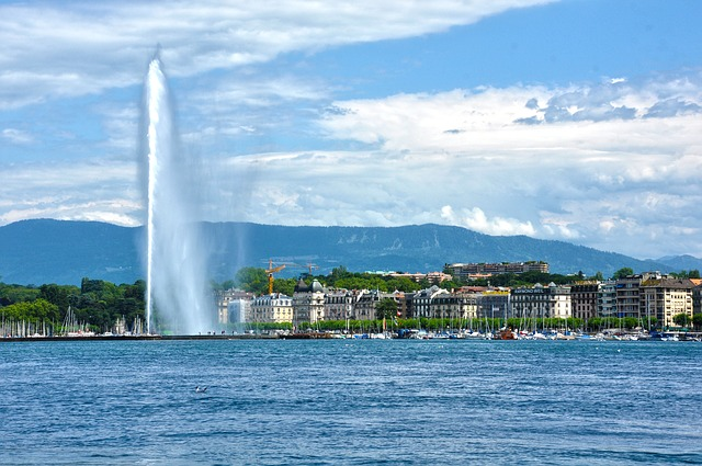 Geneva via https://pixabay.com/en/geneva-switzerland-europe-swiss-670479/