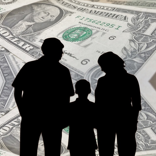Family and money via https://pixabay.com/en/family-dollar-money-hedged-forward-960451/