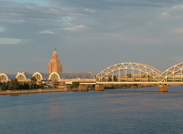 Daugava Bridge in Riga via https://pixabay.com/en/latvia-riga-daugava-bridge-171154/