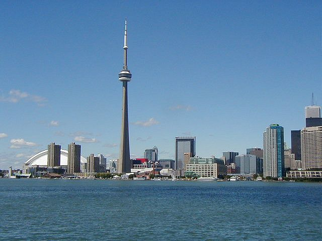 Toronto Skyline by San Gatiche https://www.flickr.com/photos/sangatiche/